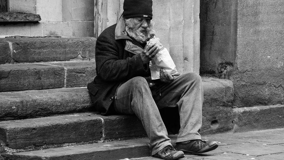 pomoc bezdomnym